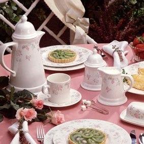 Upperclassmen Treat Freshmen to Late-Night Tea Parties
