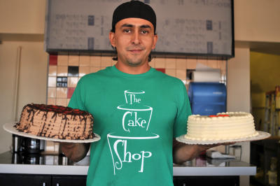 Lone Gay Cake Maker Supports Indiana Religious Freedom Bill