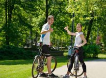 """Acquaintance's Enthusiastic """"Hello"""" Sparks Confusion for Student Biker"""