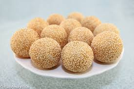 Hunger Games-Style Battle Initiated After Sesame Balls Run Out At Wilbur's Lunar New Year Dinner