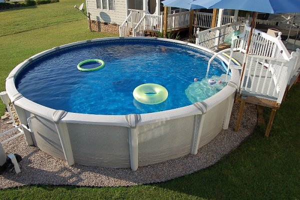 7 Above Ground Pools With Horrifying Secrets Lodged In