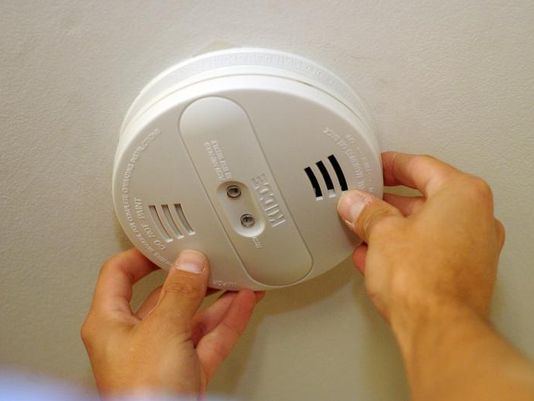 Tampering With, Destroying Lavatory Smoke Detectors Actually Illegal in Any Context, Reports Justice Department